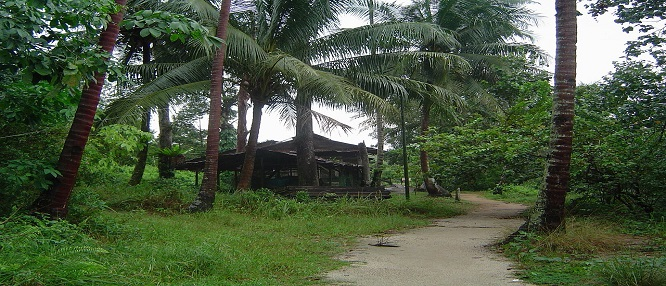 1280px-Image-House_on_Pulau_Ubin